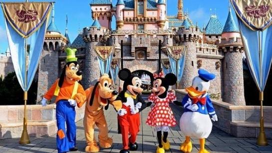 Hong Kong Disneyland Sparkling Christmas